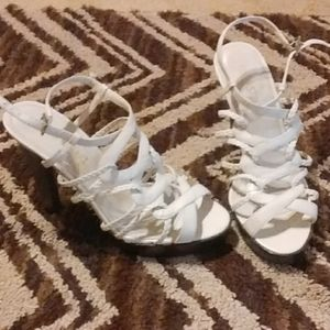 I'm selling 5' inch heels